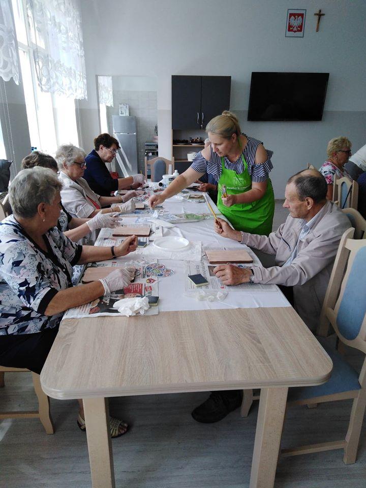 W Klubie Seniora w Brzoziu odbyły się już pierwsze zajęcia!