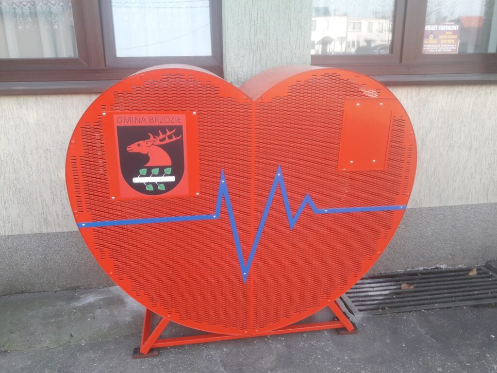 serce nakretkomat 1024x768 - Serce na nakrętki w gminie Brzozie